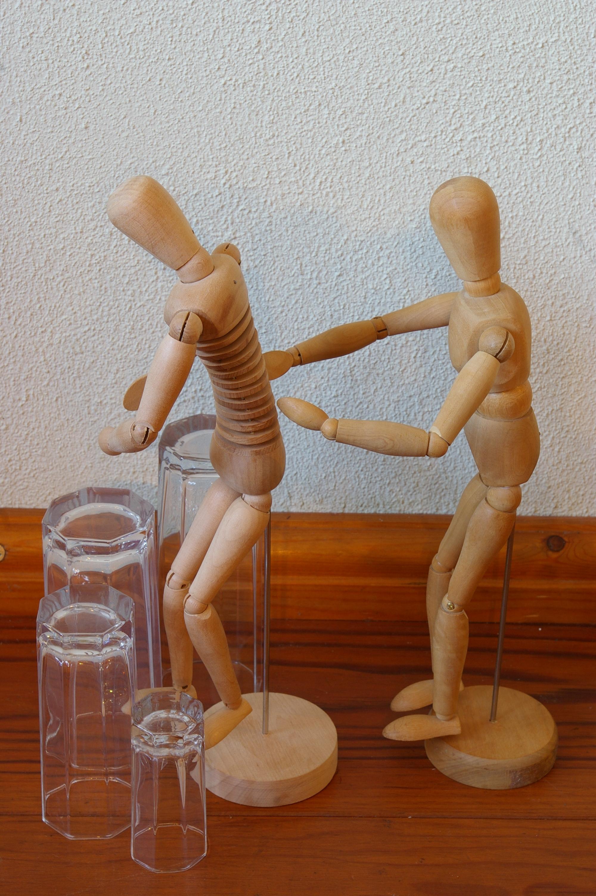Voorstelling H-en-W, houten poppetjes 003
