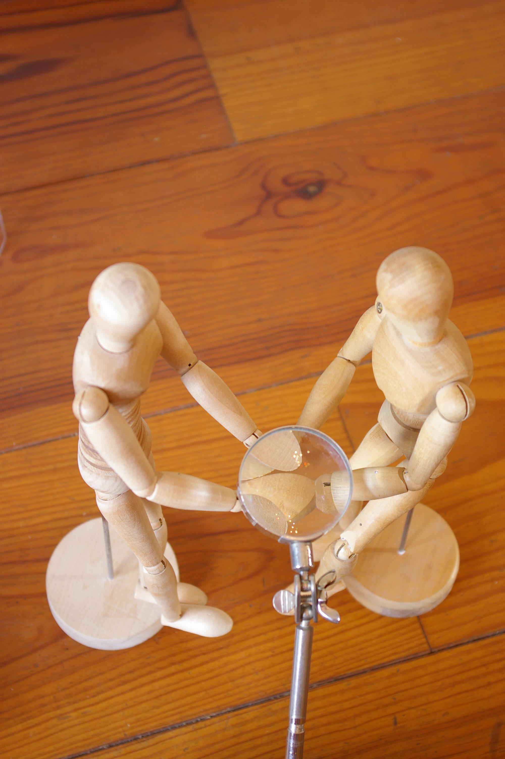 Voorstelling h-en-W met houten poppetjes (26)