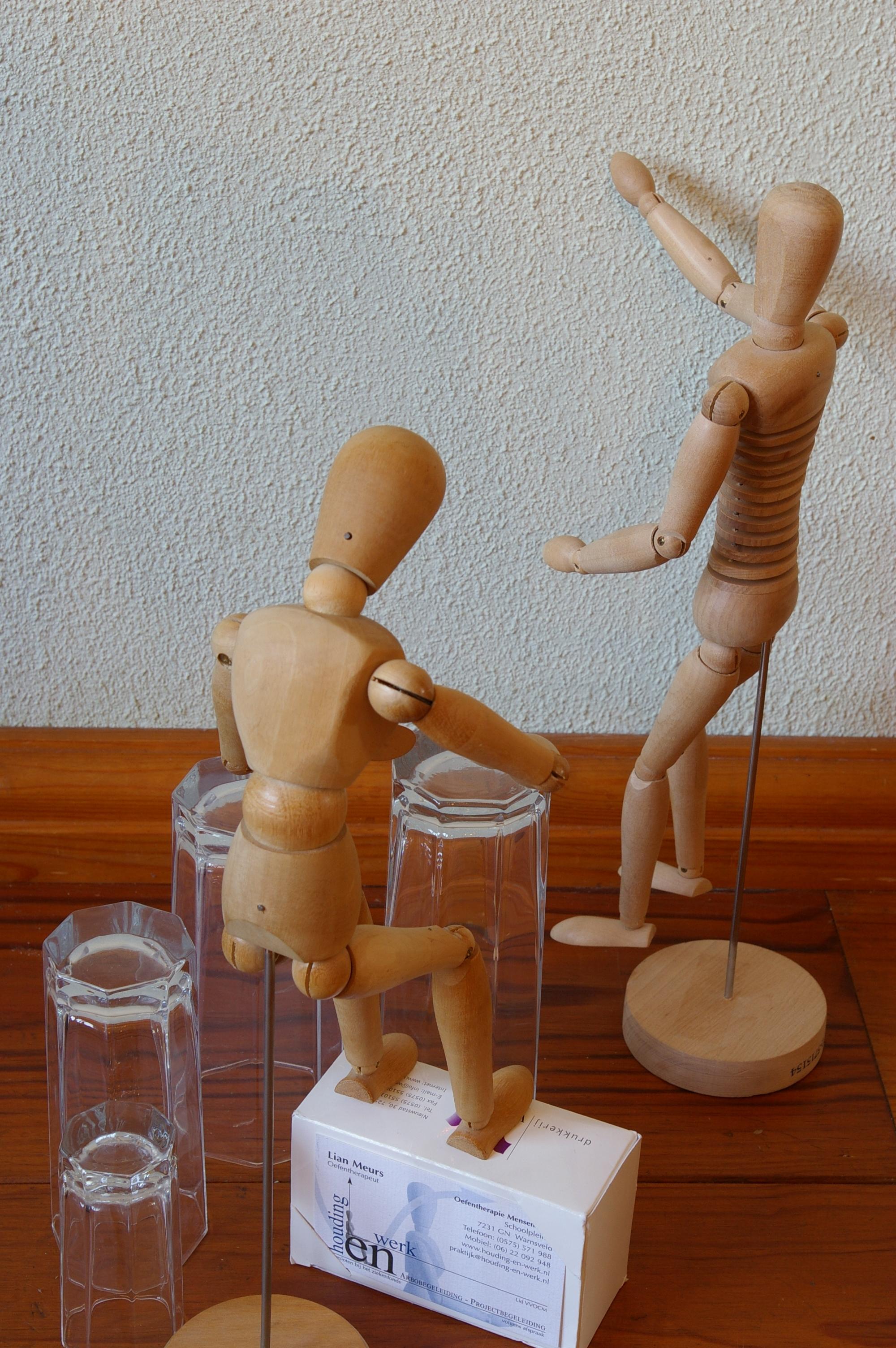 Voorstelling h-en-W met houten poppetjes (29)
