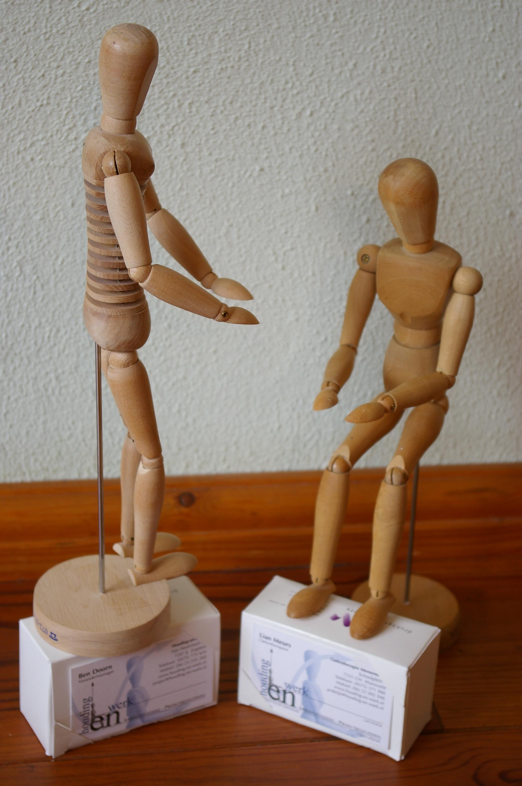 Voorstelling h-en-W met houten poppetjes (8)